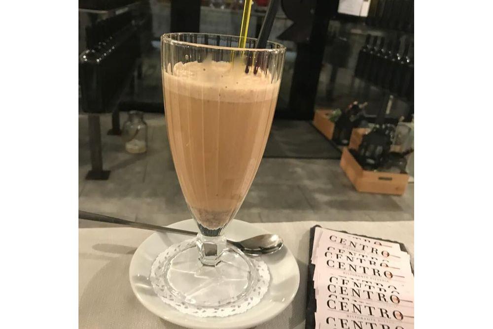 Shakerato con vaniglia e bayles