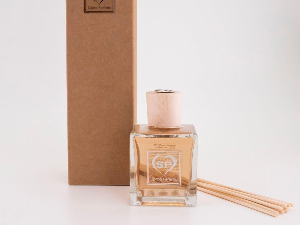 Profumo per ambienti con bastoncini di legno 100 ml