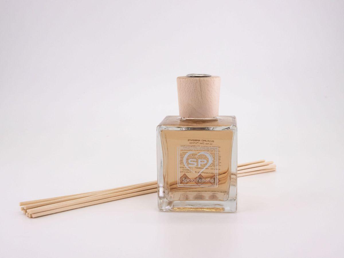 Profumo per ambienti con bastoncini di legno 250 ml
