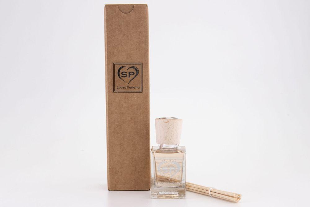 Profumo per ambienti con bastoncini di legno 50 ml