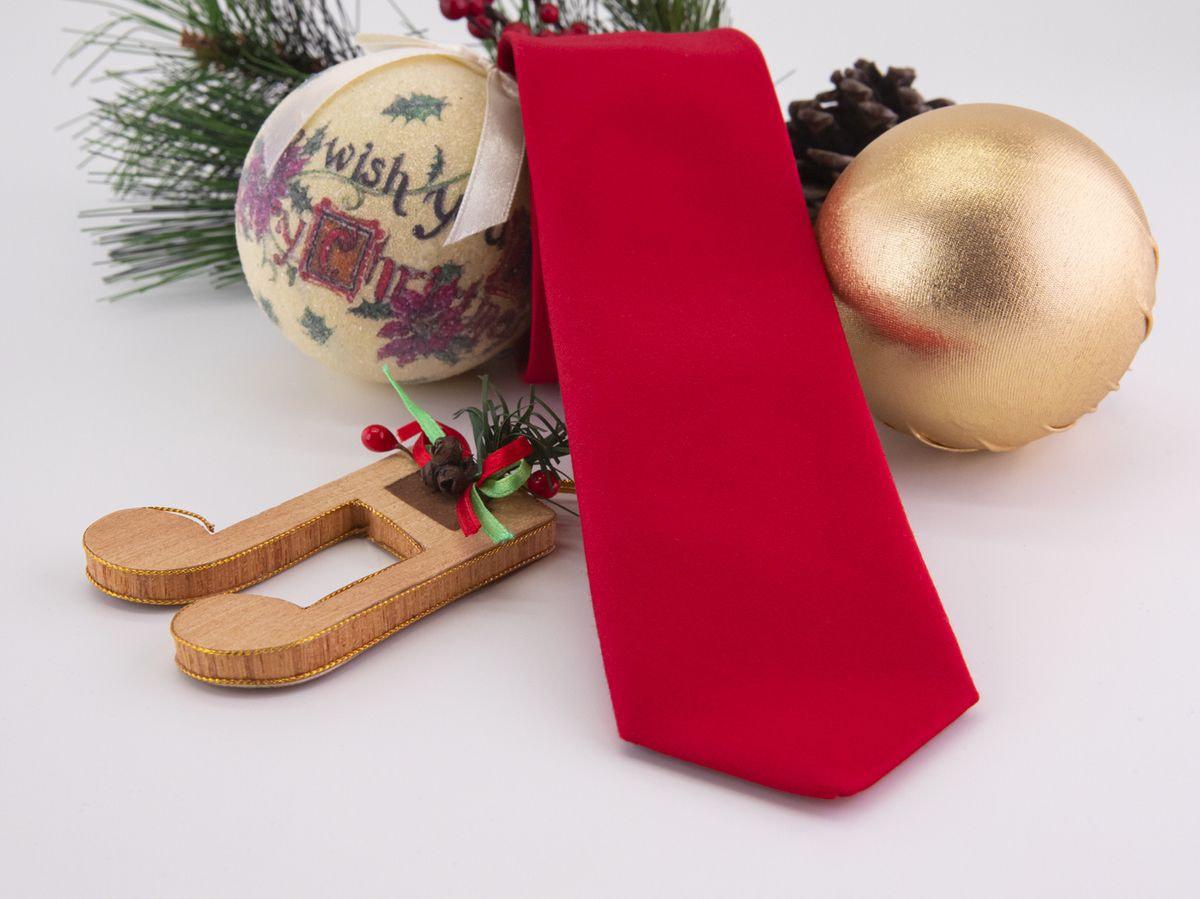 Cravatta rossa di raso