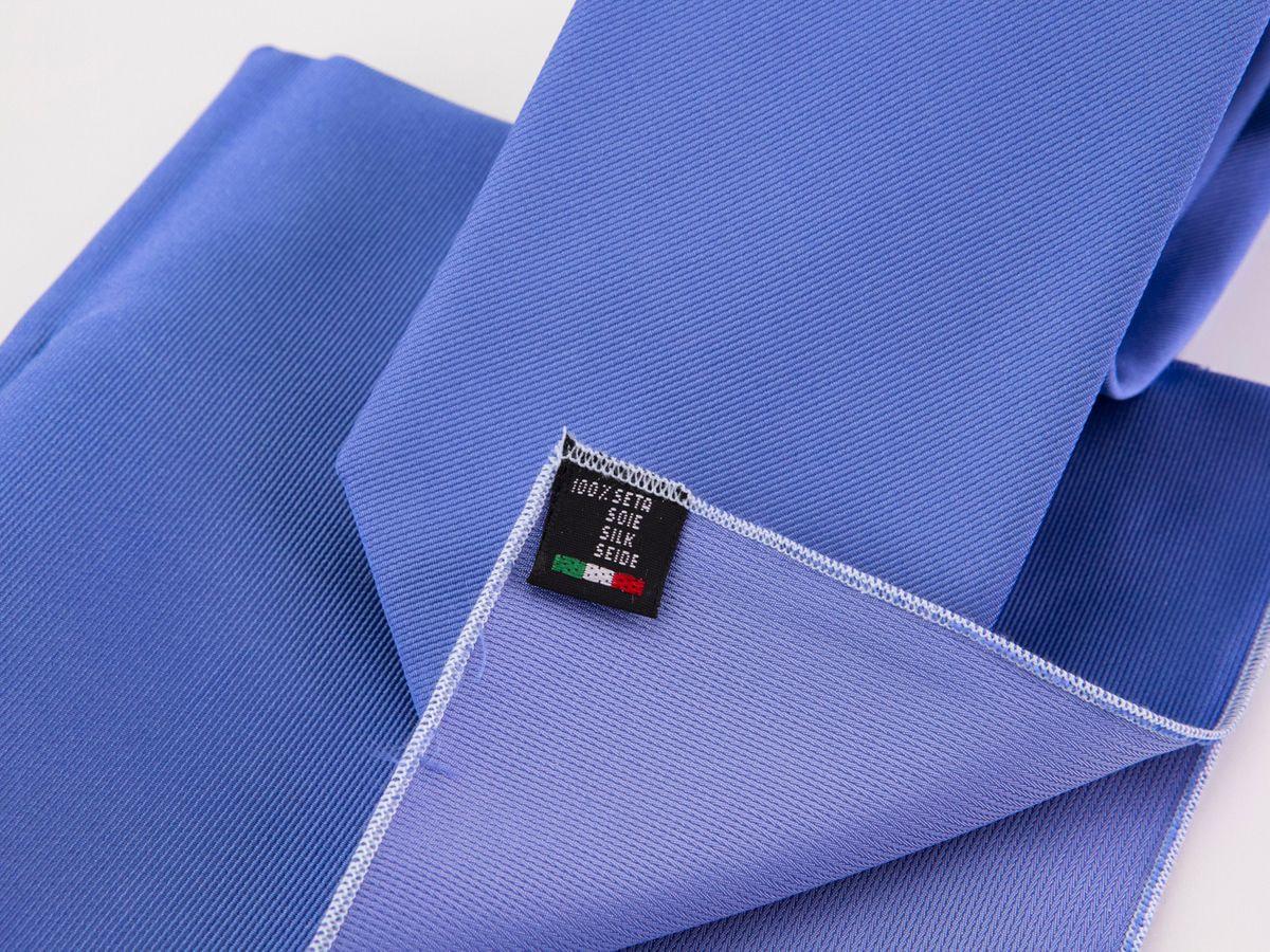 Cravatta Blu chiaro e fazzoletto da taschino