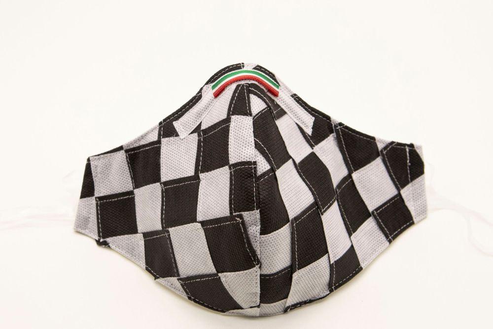 Mascherina Protettiva Fashion Lavabile a scacchi bianco e nero M