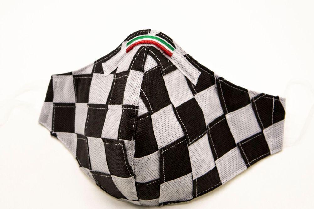 Mascherina Protettiva Fashion Lavabile a scacchi bianco e nero M E