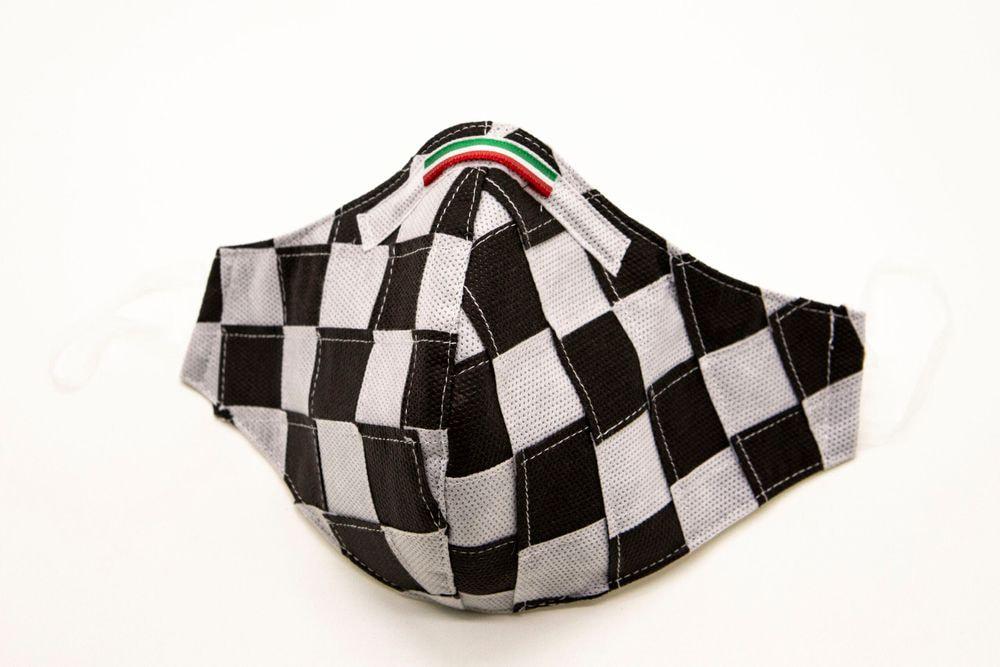 Mascherina Protettiva Fashion Lavabile a scacchi bianco e nero L E
