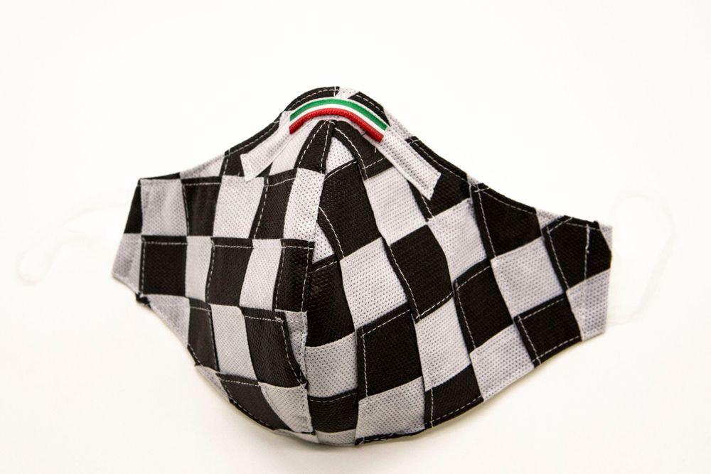Mascherina Protettiva Fashion Lavabile a scacchi bianco e nero S E
