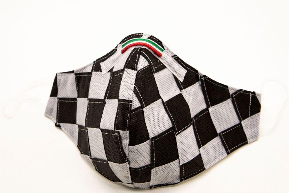 Mascherina Protettiva Fashion Lavabile a scacchi bianco e nero L
