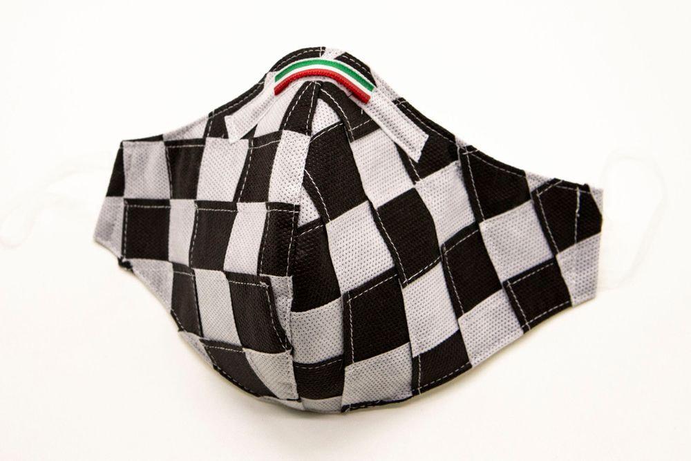 Mascherina Protettiva Fashion Lavabile a scacchi bianco e nero
