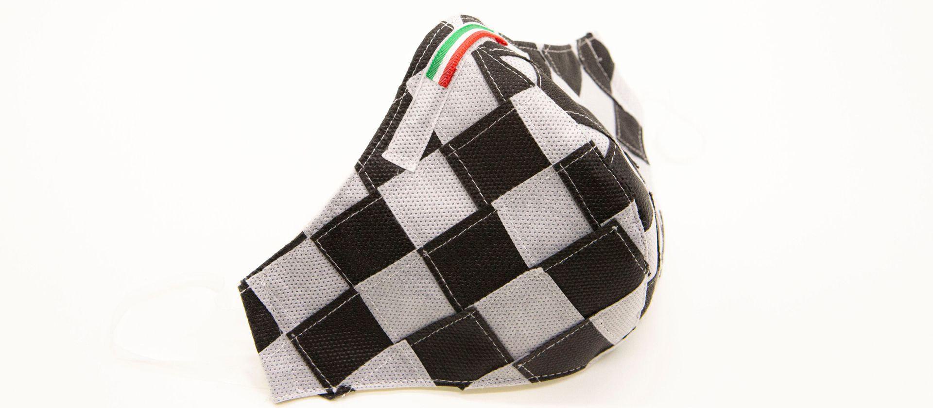 Mascherina Protettiva Fashion Lavabile a scacchi bianco e nero S