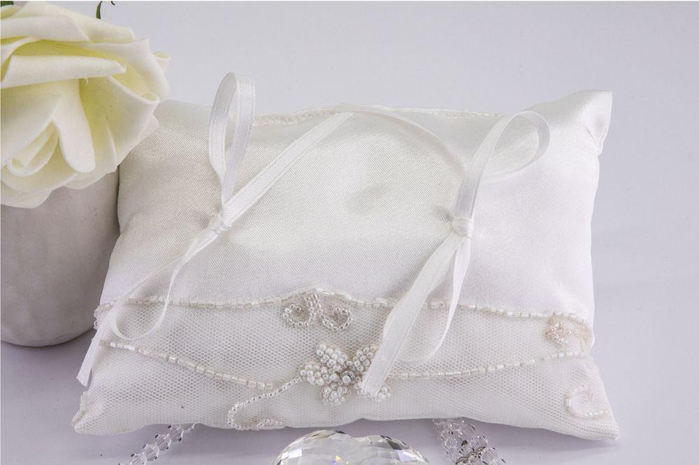 Cuscino portafedi di raso bianco