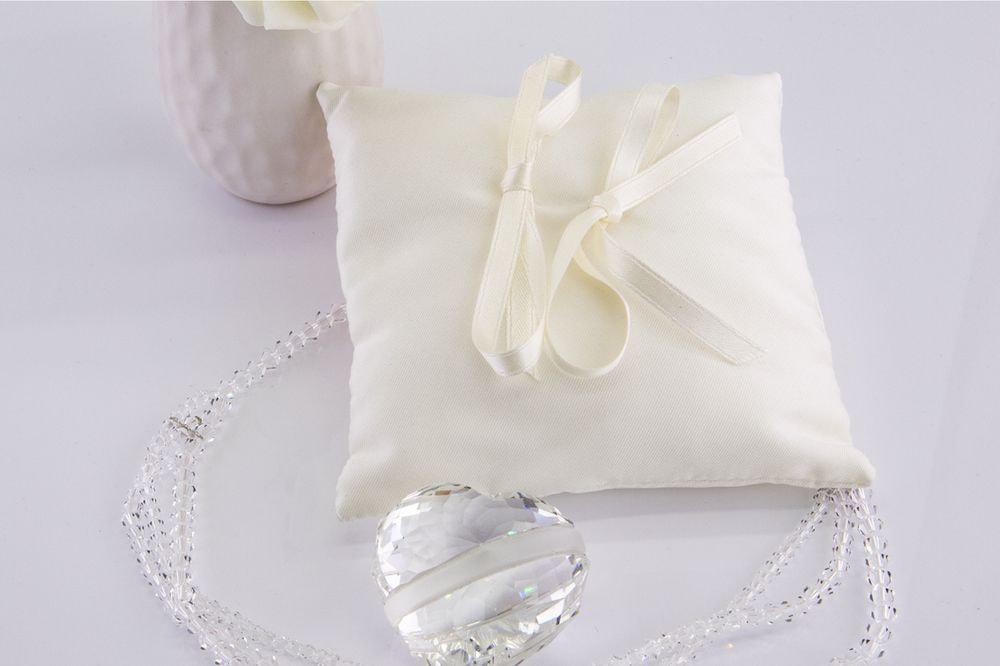 Silk-colored ring bearer pillow