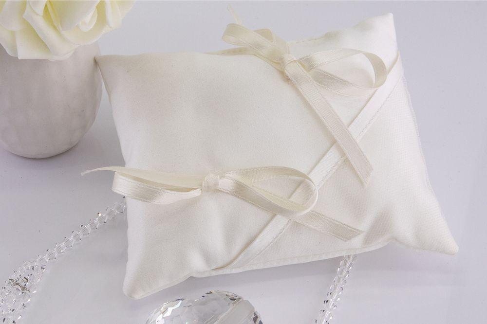Cuscino portafedi in cady