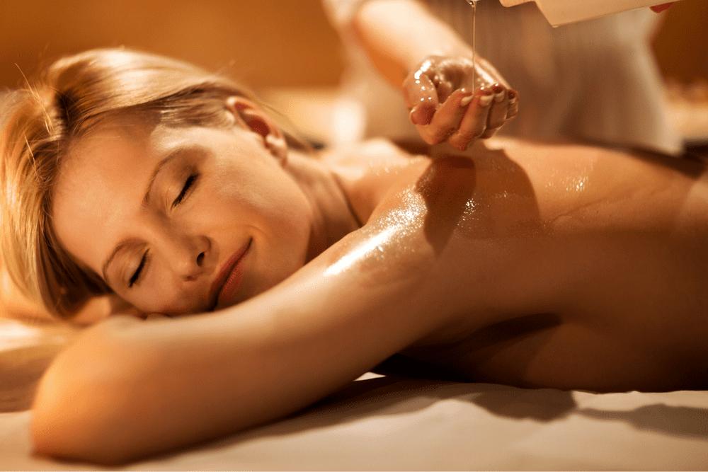 Massaggio Alpino con oli essenziali della zona