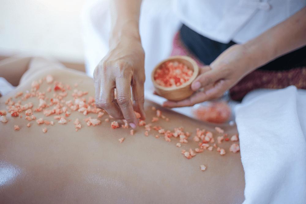 Massaggio con il sale dell'Himalaya  '50 min.