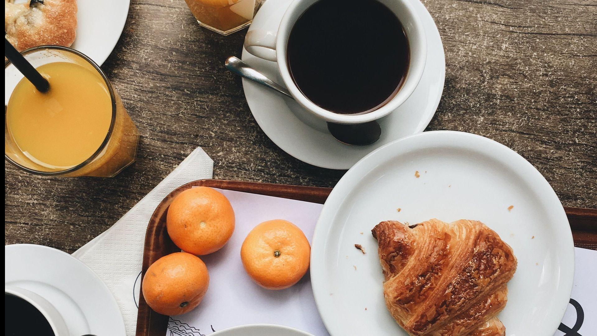 Prenota un tavolo per la colazione