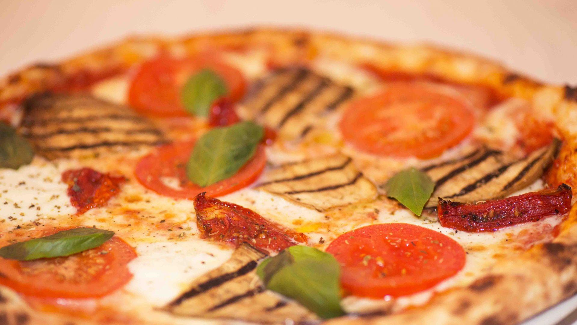 pizzeria spizzicoteca michelangelo, pizza, prodotti rovagnati, prodotti italiani, winebar, pizza gourmet, vino, salumi e prosciutti, rovagnati, degustazioni, degustazione birra, michelangelo, ristorante michelangelo, ristorante ticino, ristorante lugano, lugano