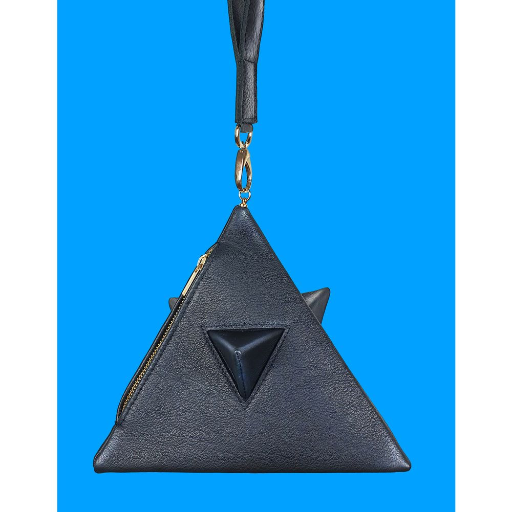 Pyramid bag all black