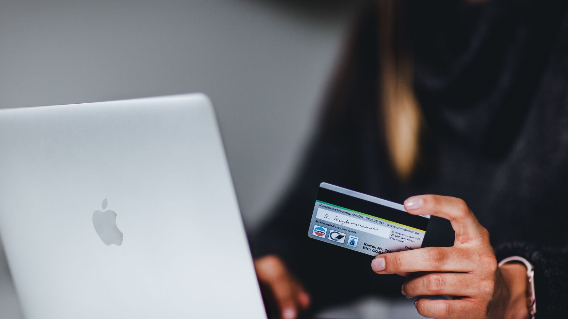 Why eCommerce is better than offline sales, and why is it important to have your online shop